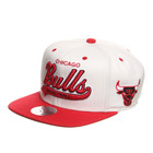 Mitchell &amp; Ness - Chicago Bulls NBA Script Tailsweeper Snapback Cap