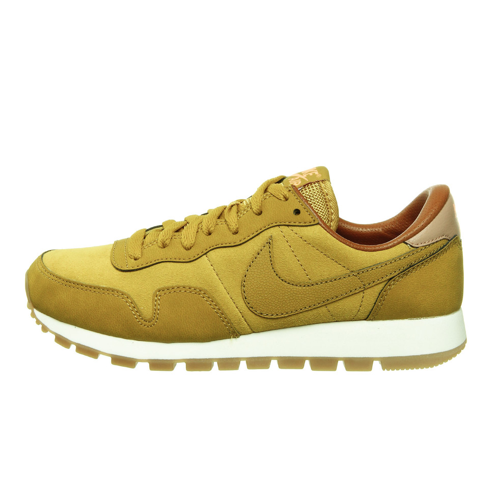 huge discount 4f44f 89e98 Nike. WMNS Air Pegasus 83 Leather (Dark Citron   Sunset Glow ...