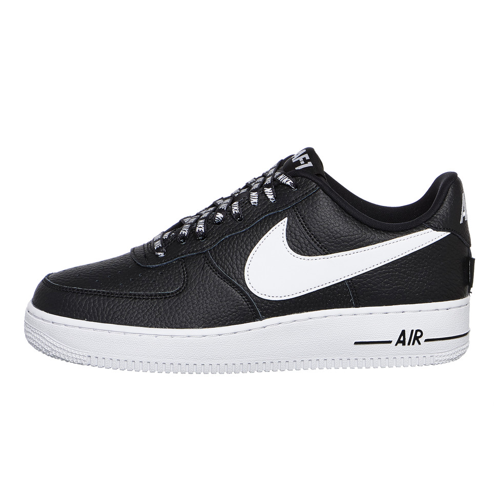 low priced 235c3 81237 Nike. Air Force 1  07 LV8
