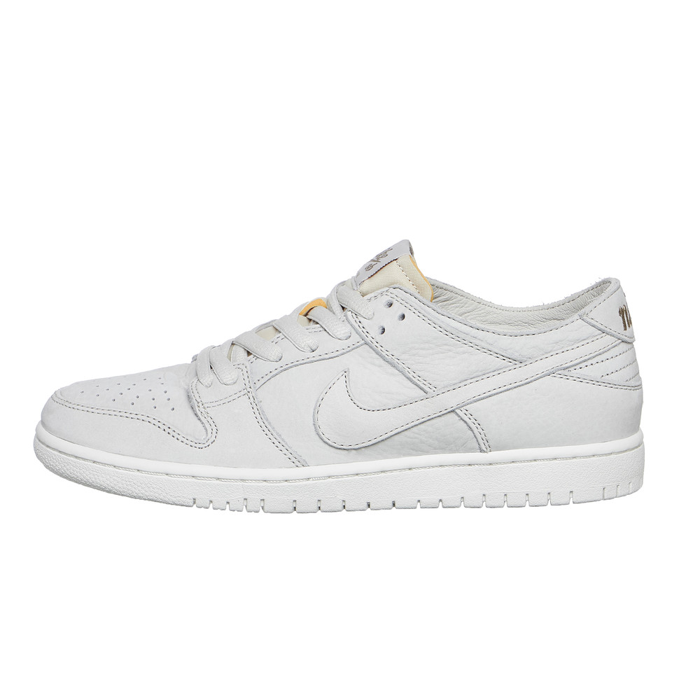 6bd21b7714d3 Nike SB. Zoom Dunk Low Pro Deconstructed (Light Bone   Light Bone   Summit  White ...