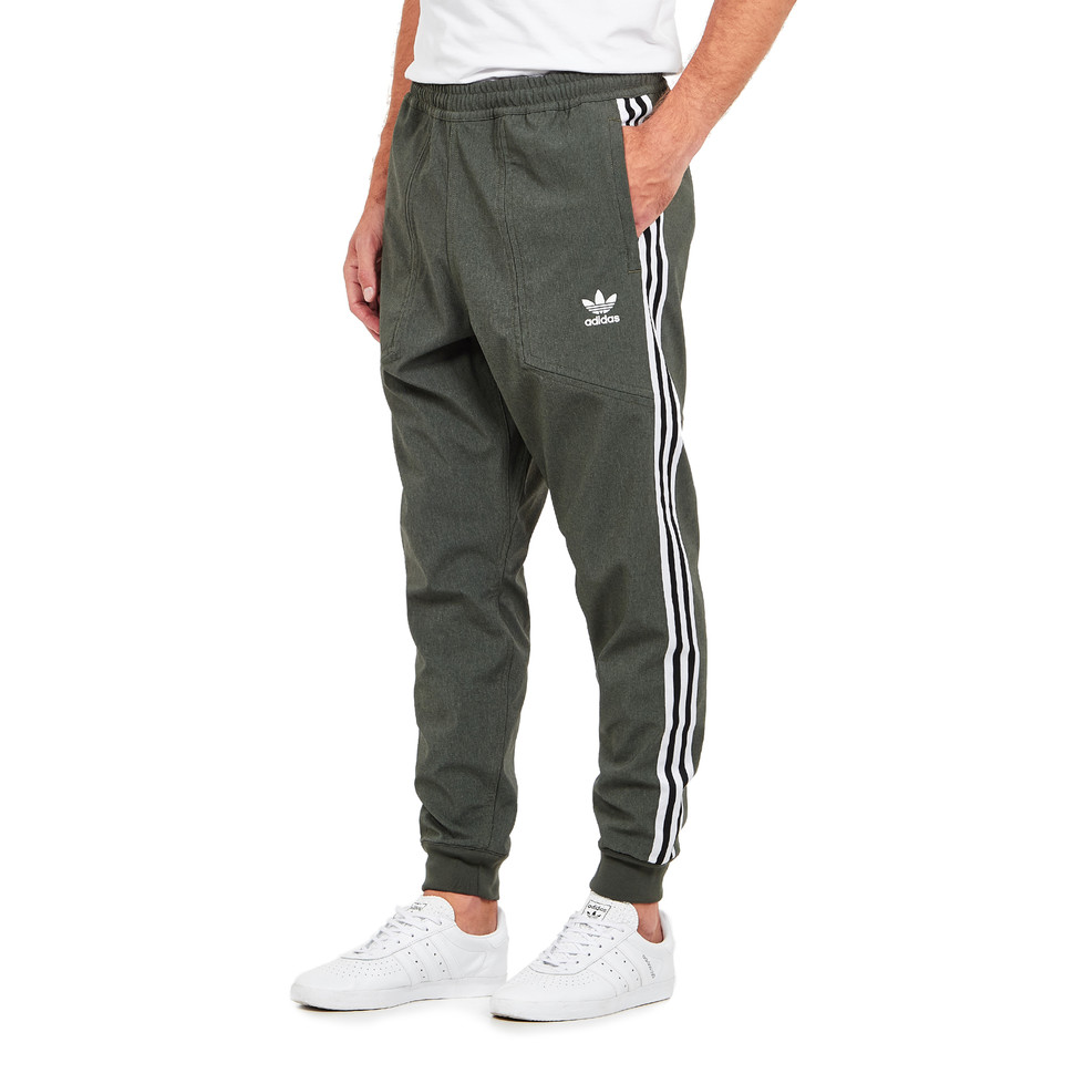 f29400a7f85fb adidas - 2020 Reversible Track Pant (Base Green / Grey Five) | HHV